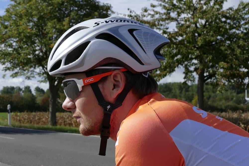 Helm Test: Klassischer Straßenhelm vs. Aero Helm