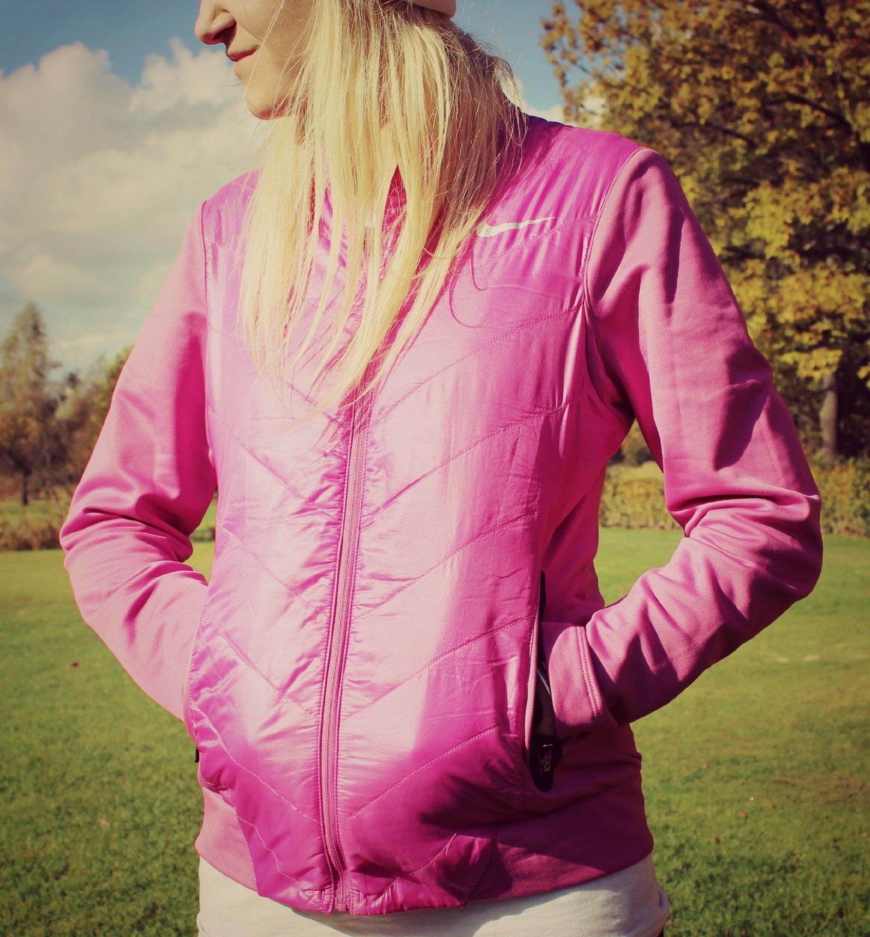 Herbstliche Golfbekleidung – eine Nike Jacke und Alberto Hose im Test