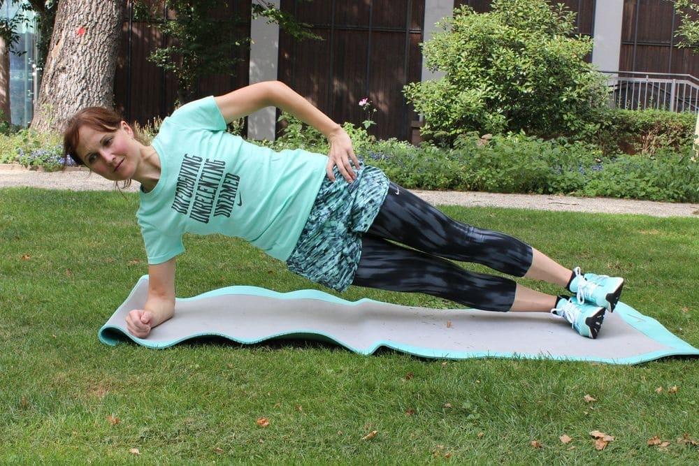 Laufübung des Monats: Beinheben im Seitstütz