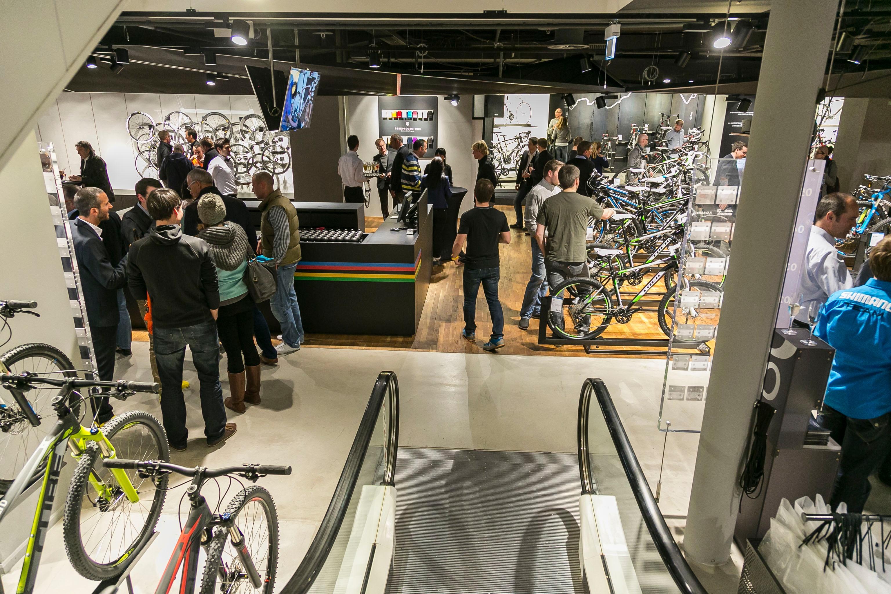 Le grand départ: Eröffnung der Bike-Abteilung