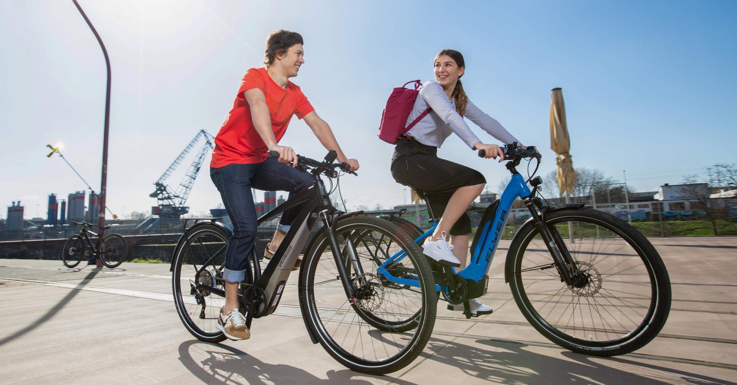 Urbanes Biken mit den Downhillern Yana und Jannik Abbou