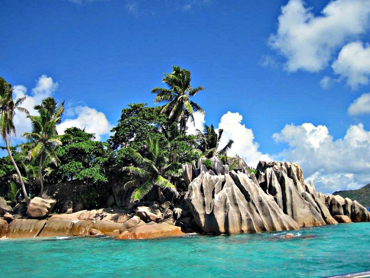 Urlaubsfieber - 5 Orte die du besuchen solltest und was du dafür brauchst