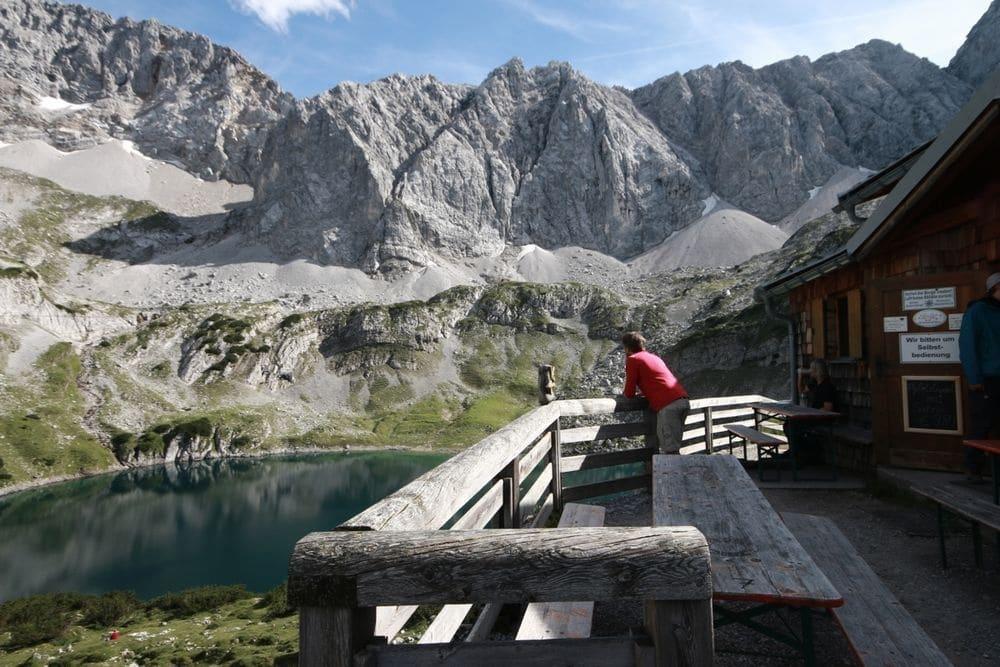 Wandertipp: Über die hohen Gänge zum Seebensee und Coburger Hütte