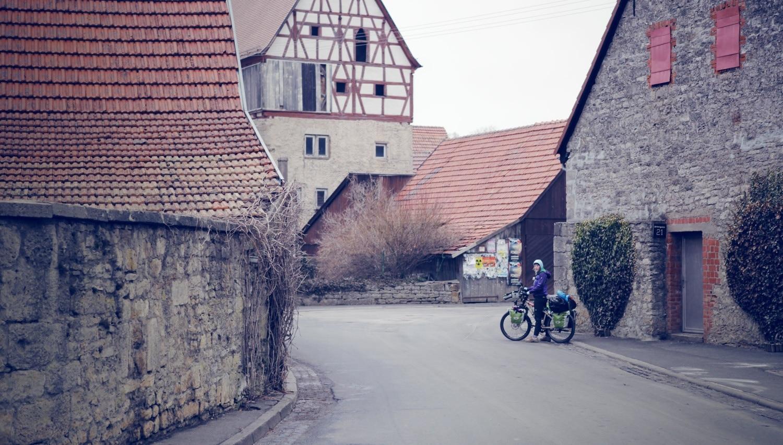 WE ARE traveling: Eine Reise durch die Zeit mit dem Fahrrad