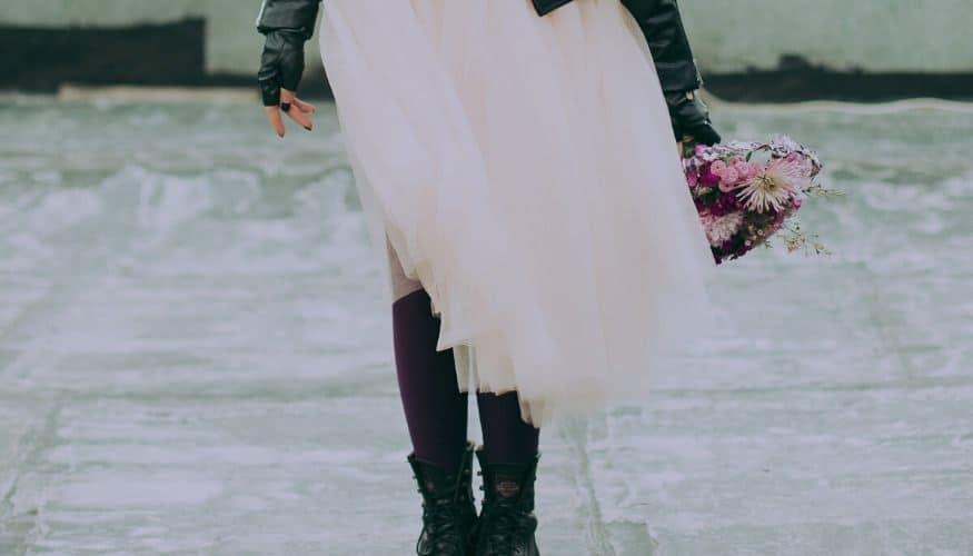 MADE IN ITALY Kurzarm Shirt Vokuhila Statement Blüten Federn rosa 38 40 42 44 46