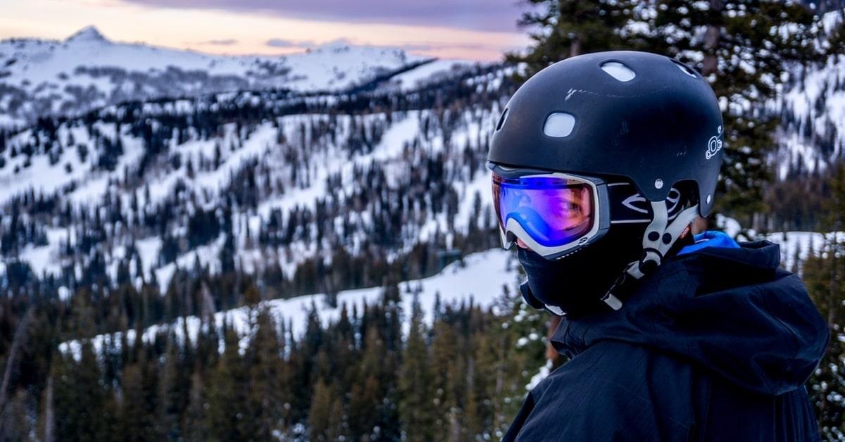Die perfekte Skihelmgrösse finden
