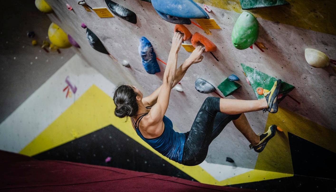 Bouldern – 7 Gründe die Wände hochzugehen