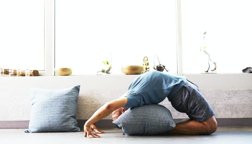 Mit Yoga zum besseren Fußballer?! So geht's!