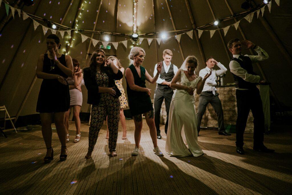 Hochzeitsgast Outfit Tanz